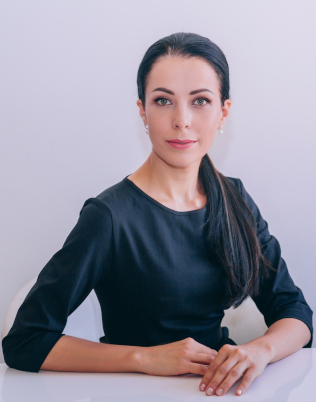 PhD Elena Mathey